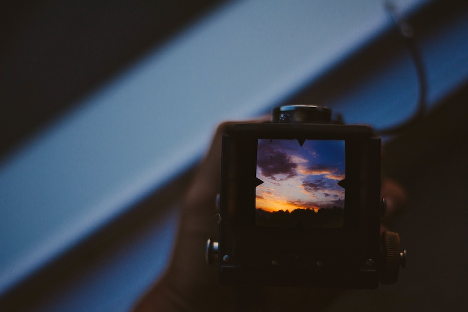 Monitor screen with sunset. Source: Unsplash.com