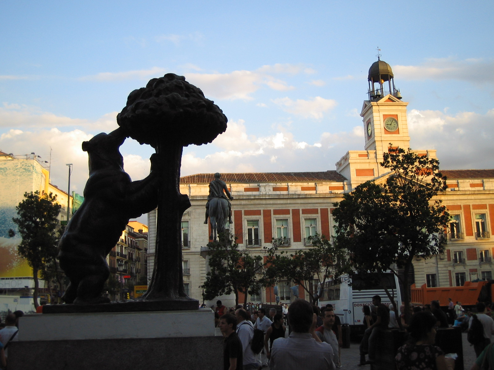 Rafael's favorite place in Madrid Bear at Puerta del Sol