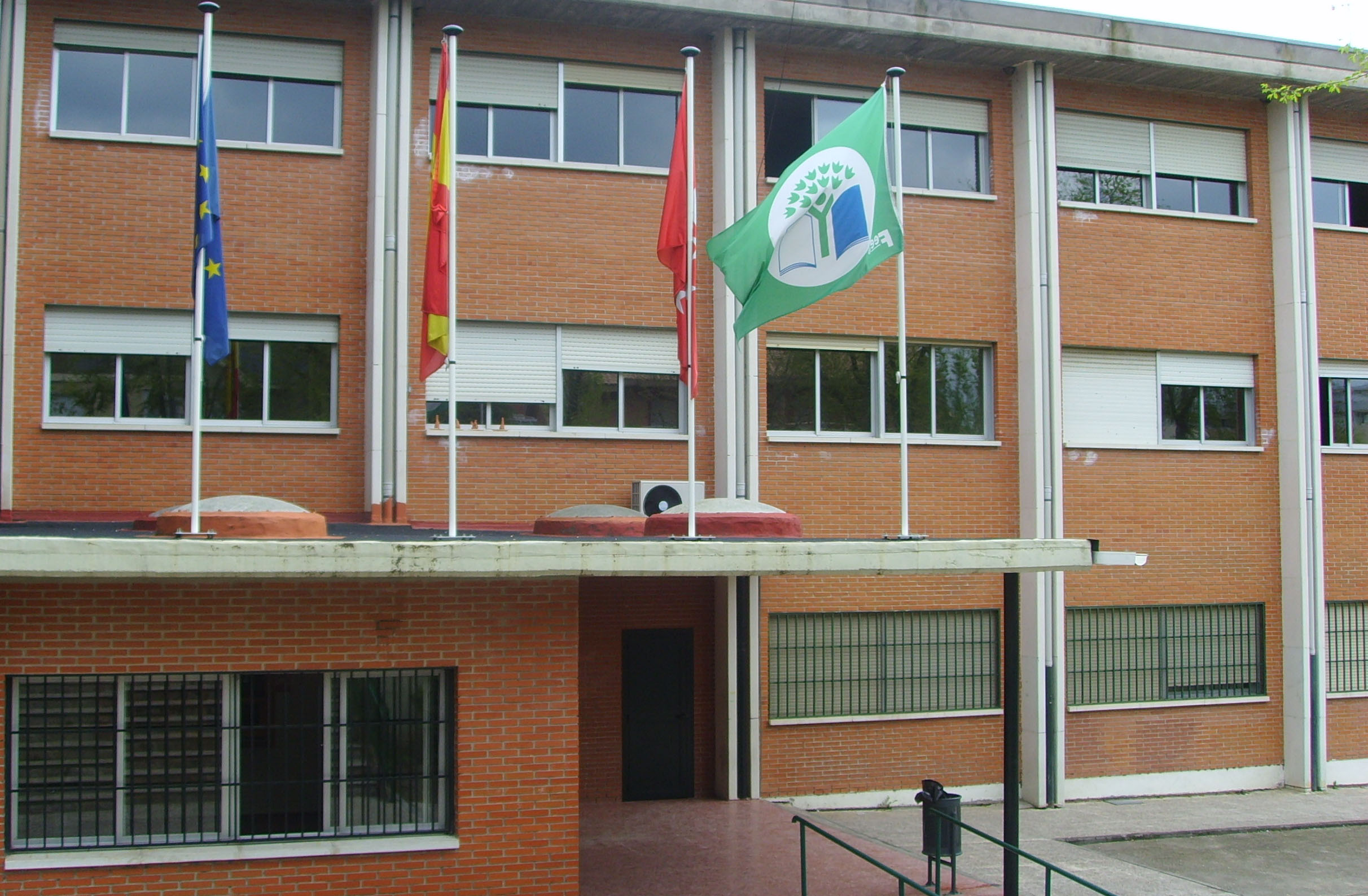 Rafael's school called IES CJC near Madrid