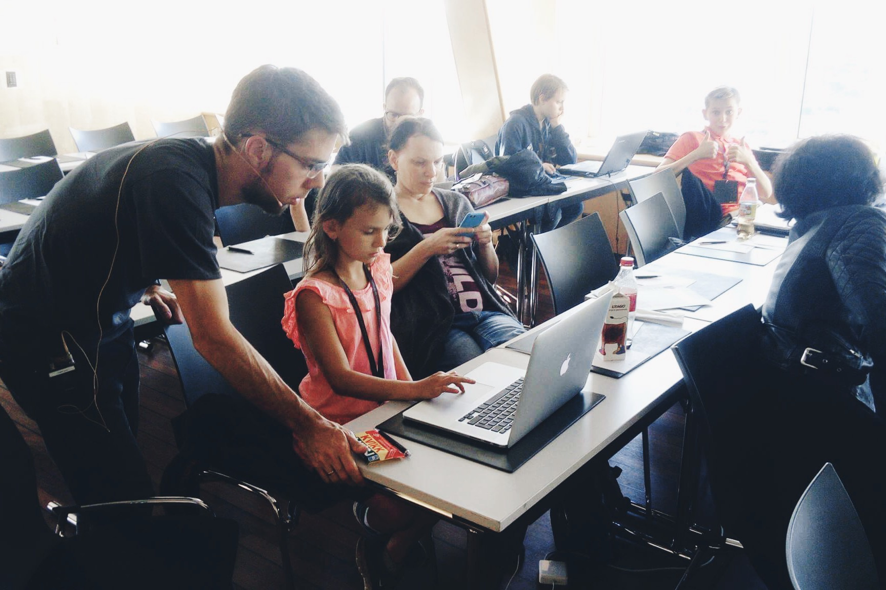 Vivaldi designer Atle Mo teaches kids 3D modelling at NDC Oslo